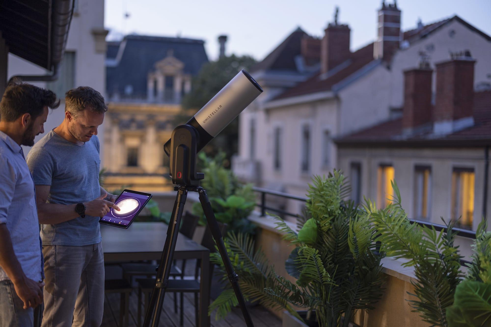 見たい天体を自動追従するスマート望遠鏡「eVscope eQuinox」