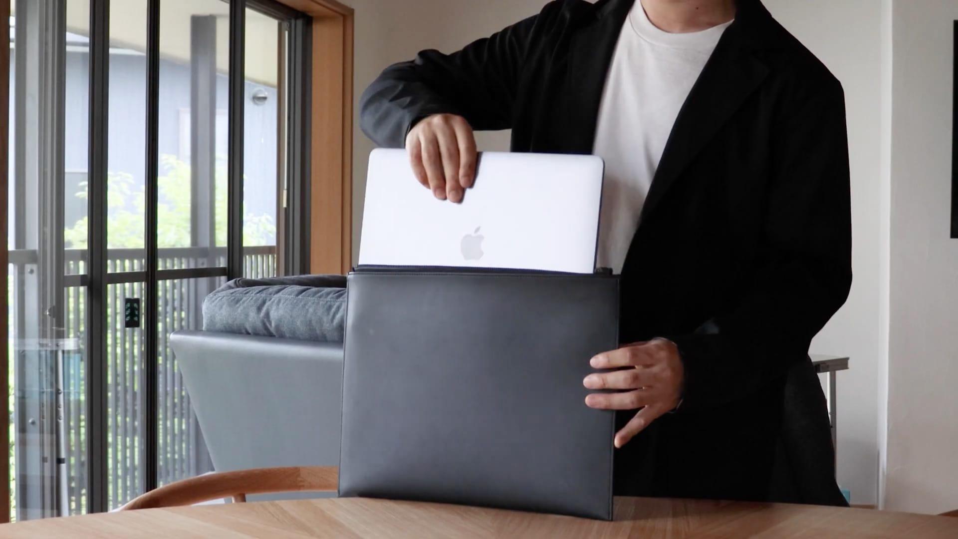 13インチMacBook Pro/Airなどに対応したクラッチバッグ「Layer Sleeve」
