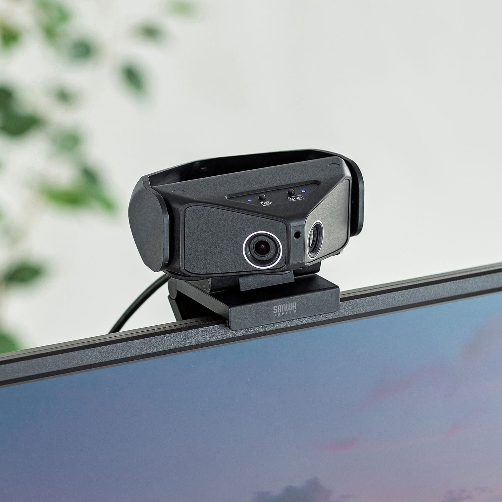 サンワサプライ、最大画角180度対応のウェブカメラを発売