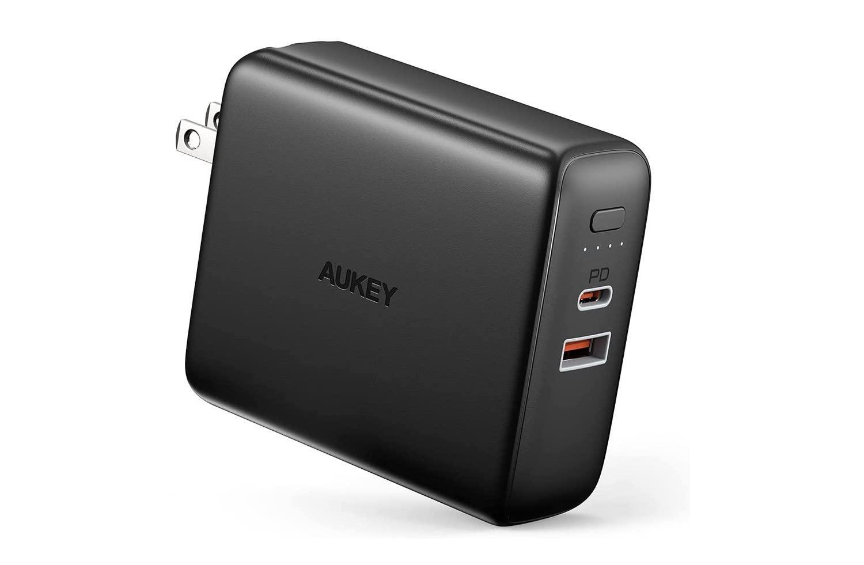 AUKEYの20W USB-C充電器が20%オフ 本日限り