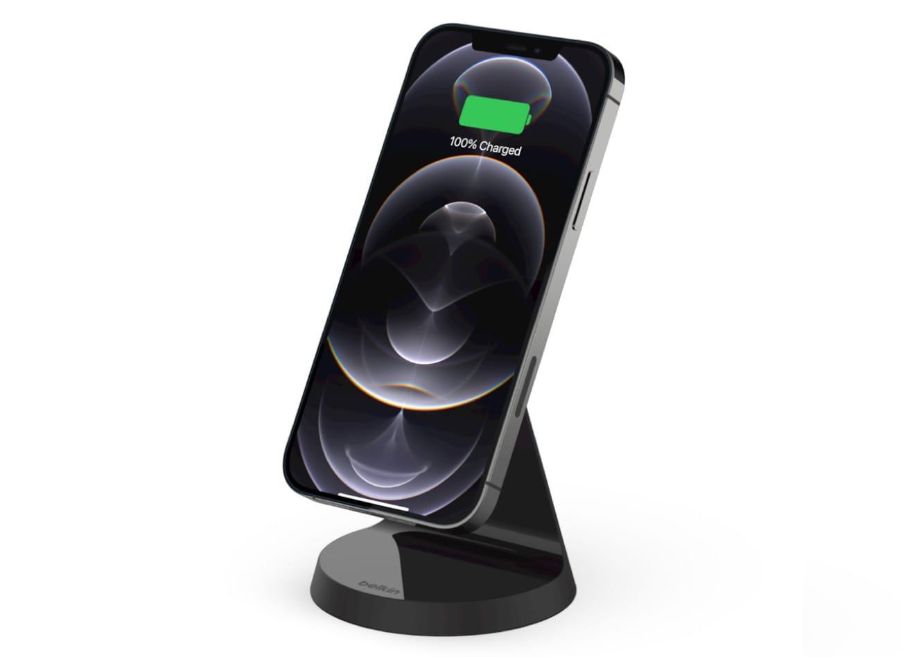 ベルキン、iPhone 13/12シリーズ向けの磁気ワイヤレス充電スタンドなどを発売