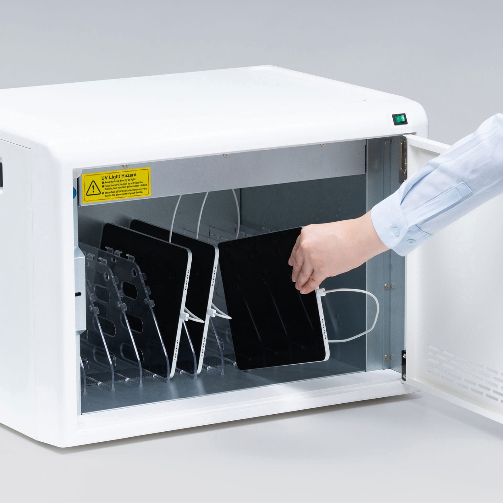 サンワサプライ、UV除菌機能搭載のノートPC&タブレット用充電保管庫を発売